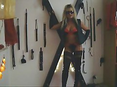 Black and dirty, Mistress Eva