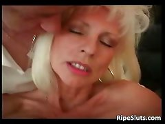 Blonde mommy with huge boobs fucked part3