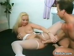 Blonde slut enjoys in deep pussy fisting part6