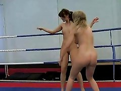 Hot euroepan beauties fighting