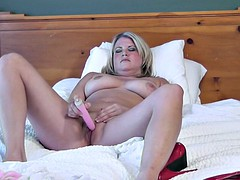 milf strip and play