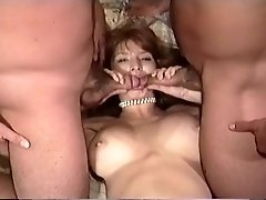 Sweet chick loves classic threesome