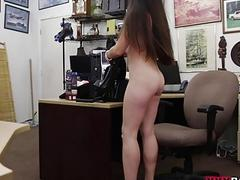 Amateur babe pounded by horny pawn dude
