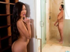Vina Sky enjoys older men and has been waiting forever to be alone with her friend's dad