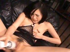 Yui Komine gets cum in mouth