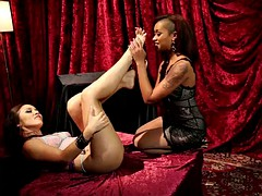 feet worshiping hotties have fun with one another