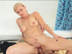 Alice Chambers gets drilled by her stepbro in the bathroom