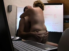 Horny mature wife gets nailed doggystyle on hidden cam