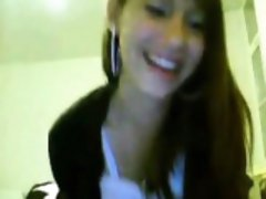 Latina Fingers on Webcam