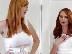 Edyn Blair masturbating on her stepmoms