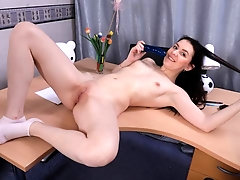 Dildo in pussy helps studying